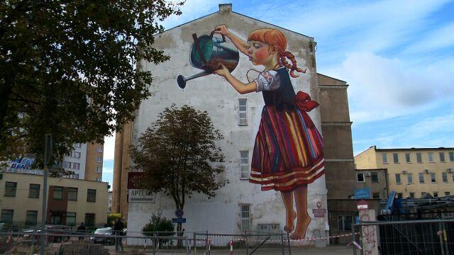bia ostocki mural dziewczynka z konewk mo e znikn