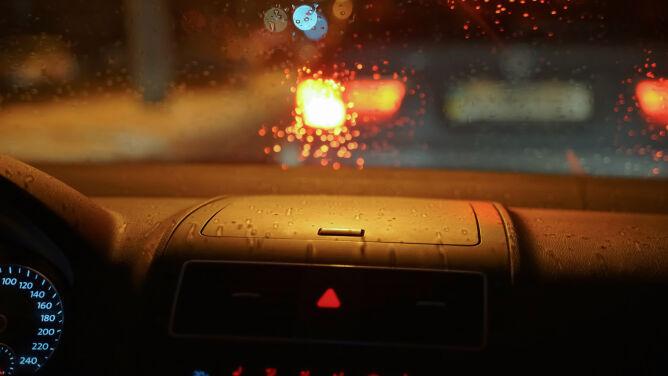 Pogoda drogowa na noc: niewielkie utrudnienia tylko lokalnie