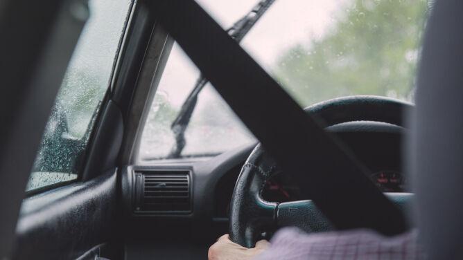 Deszcz utrudni jazdę